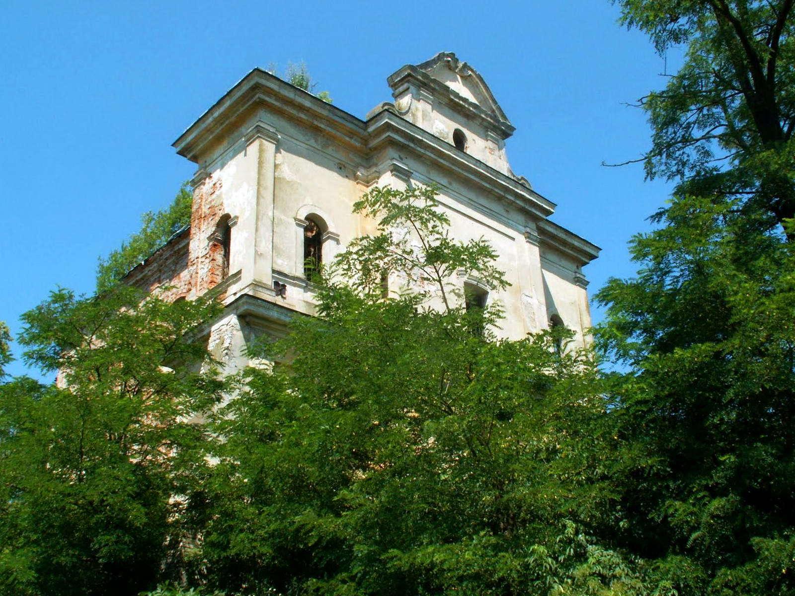 Костел в смт Більшівці