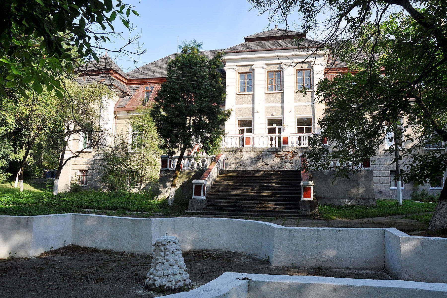 смт Більшівці, палац Кшечуновичів