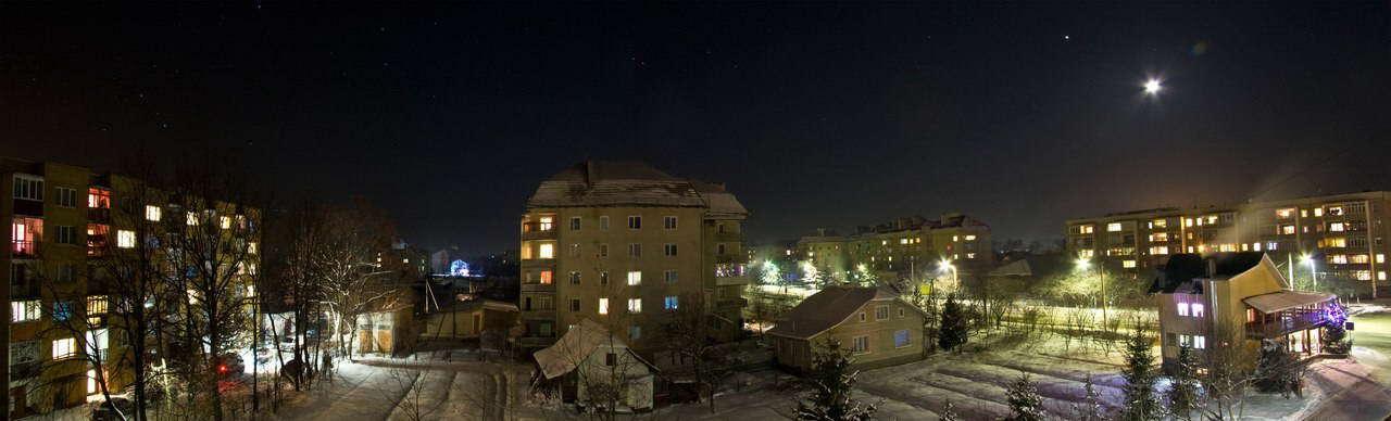 смт Богородчани, нічна панорама