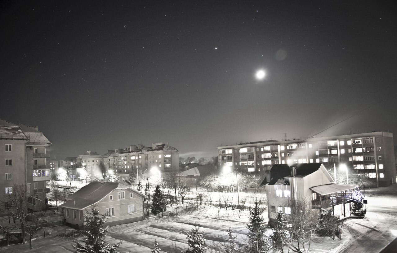 смт Богородчани, зимова ніч