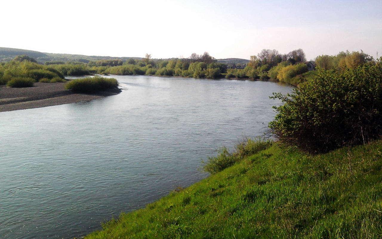 Село Дубовцы, река Днестр