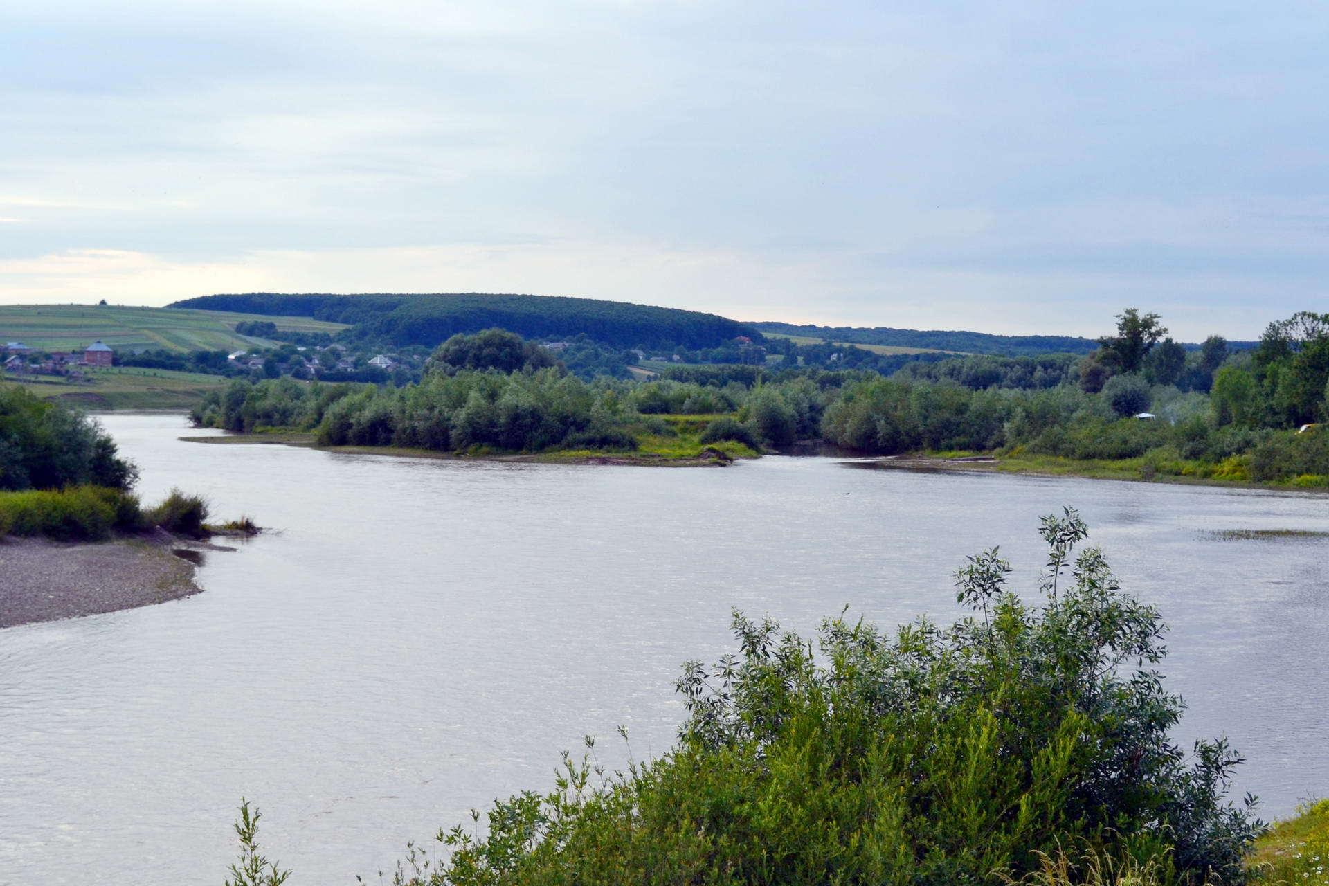 Панорама реки Днестр в с. Дубовцы