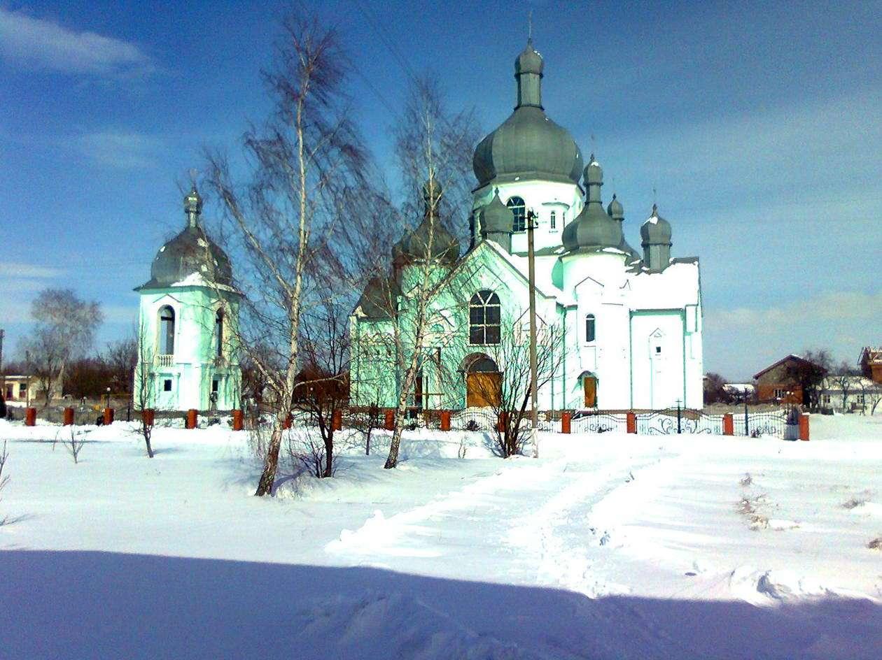 Церковь Рождества Святой Богородицы в Дубовцах