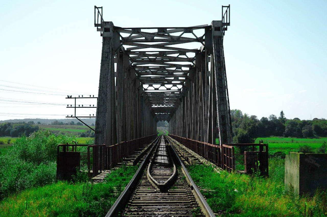 с. Дубовцы, железнодорожный мост