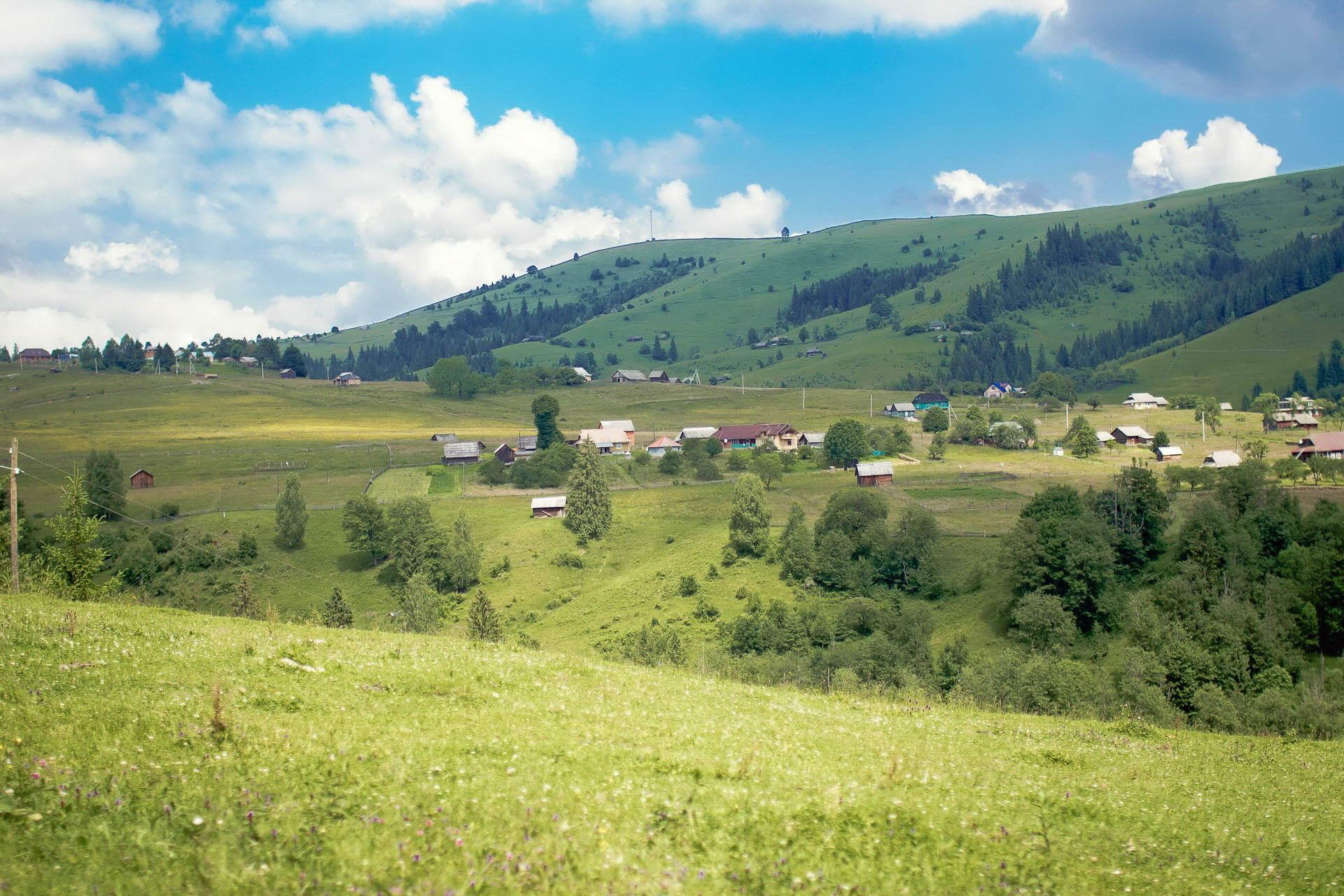 Карпатське село Дземброня
