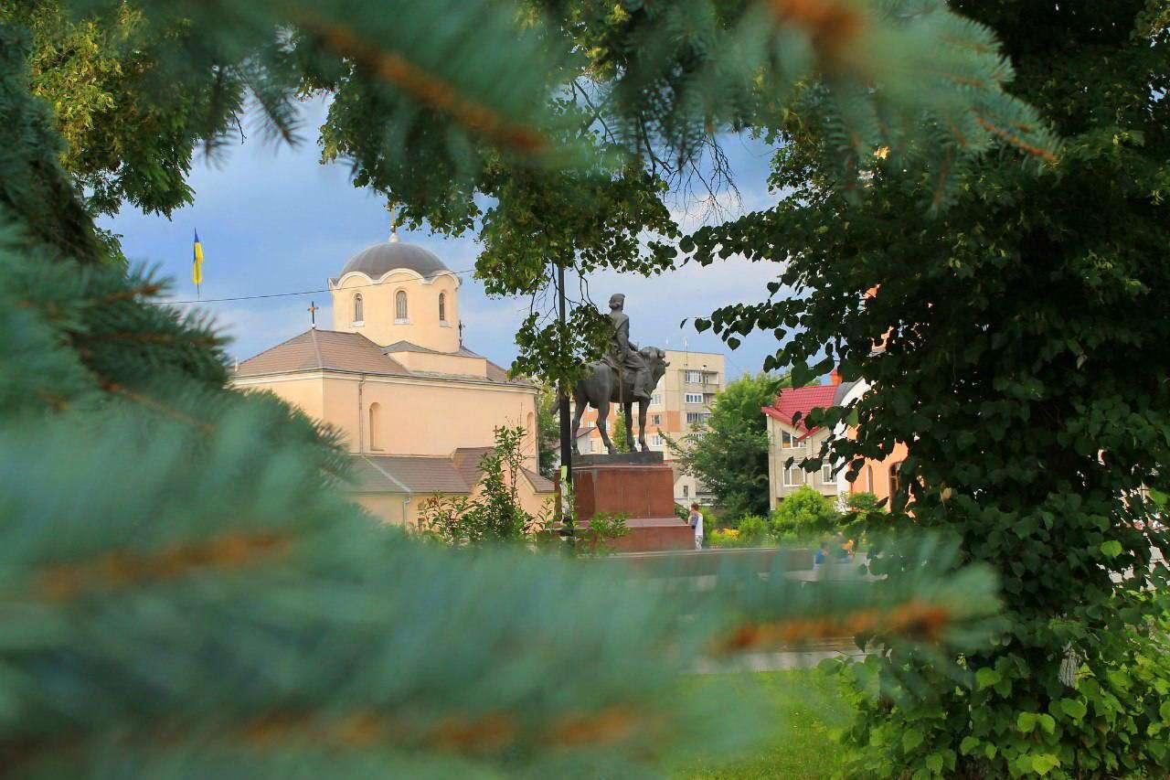 Пам'ятник Данилу Галицькому. м. Галич