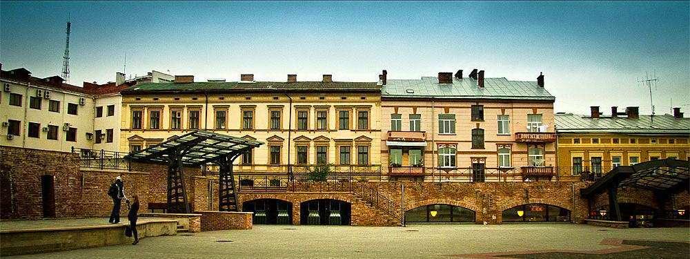 Фортечна галерея Бастіон в Івано-Франківську