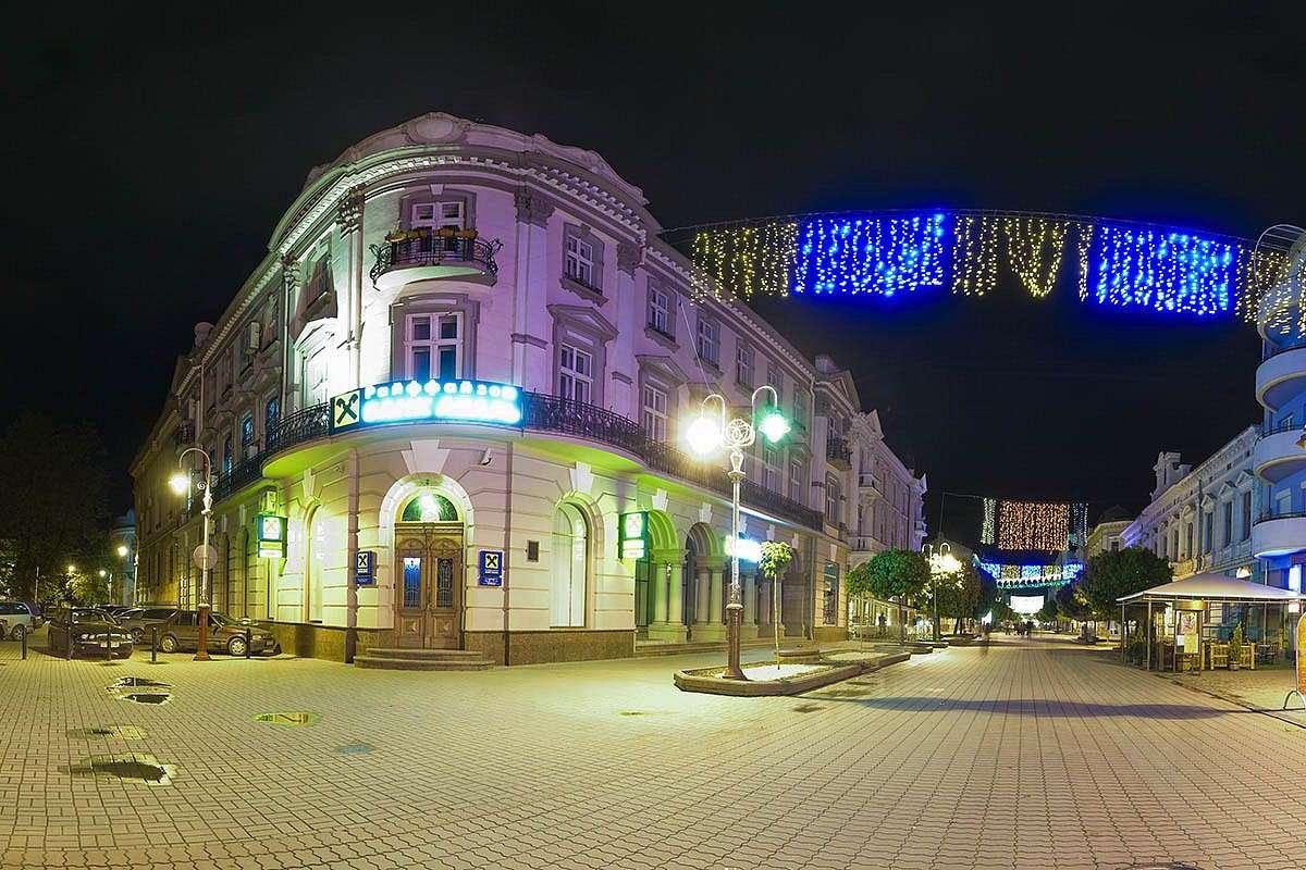 Нічна стометрівка в Івано-Франківську
