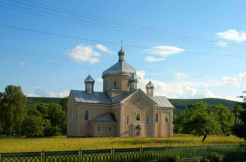 Греко-католическая церковь в пгт Яблунов