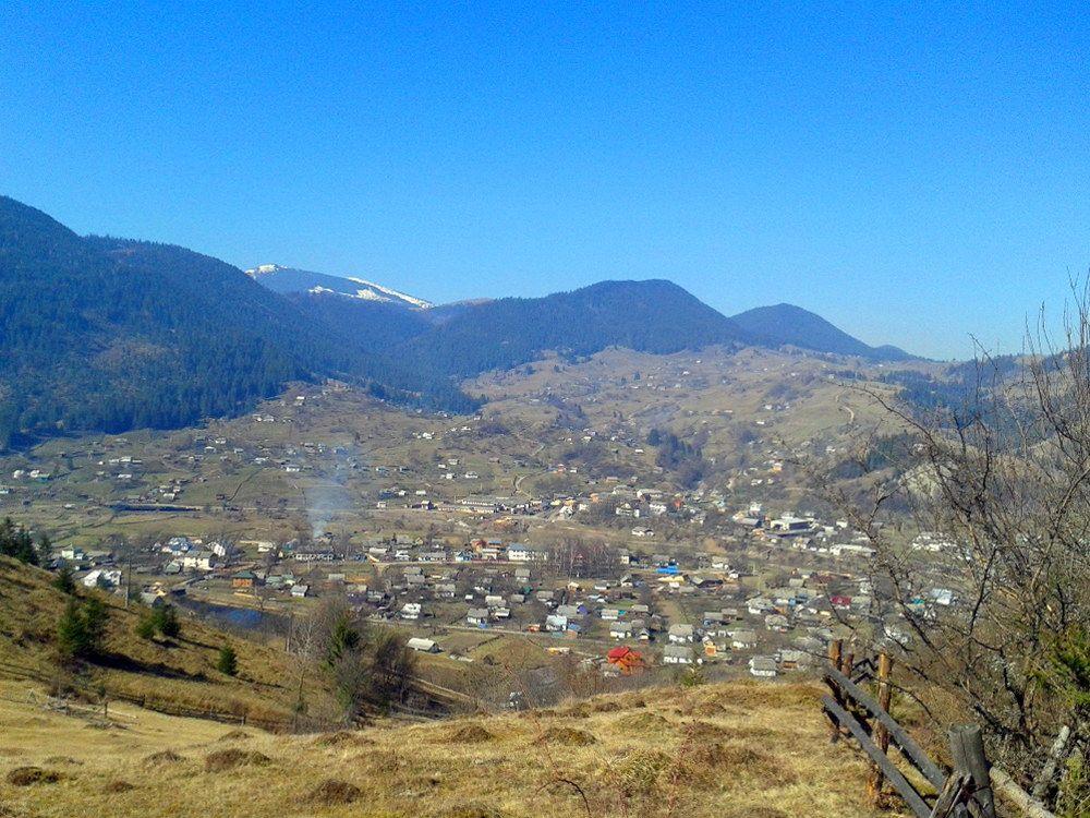 Верховинський район, село Яблуниця