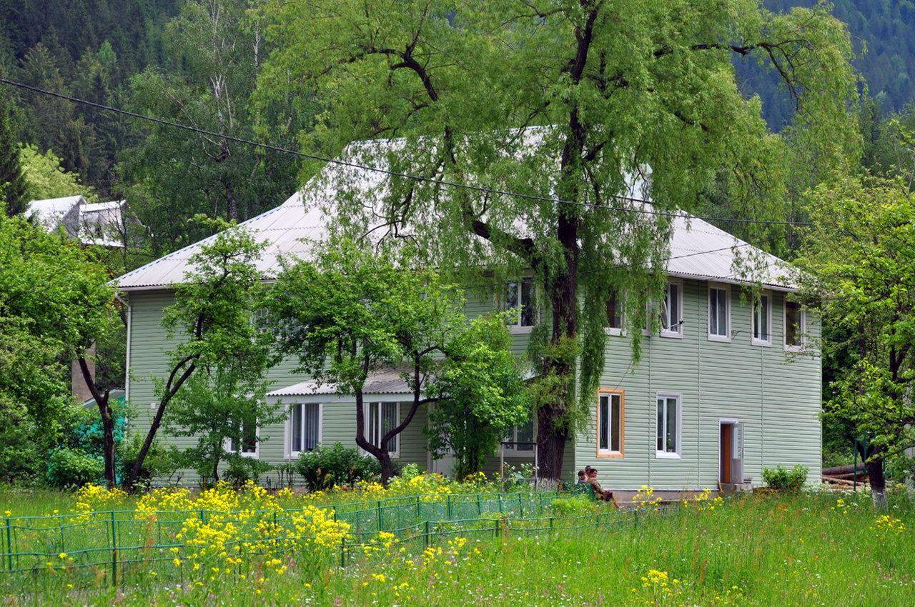 Карпатське село Яблуниця (Верховинський район)