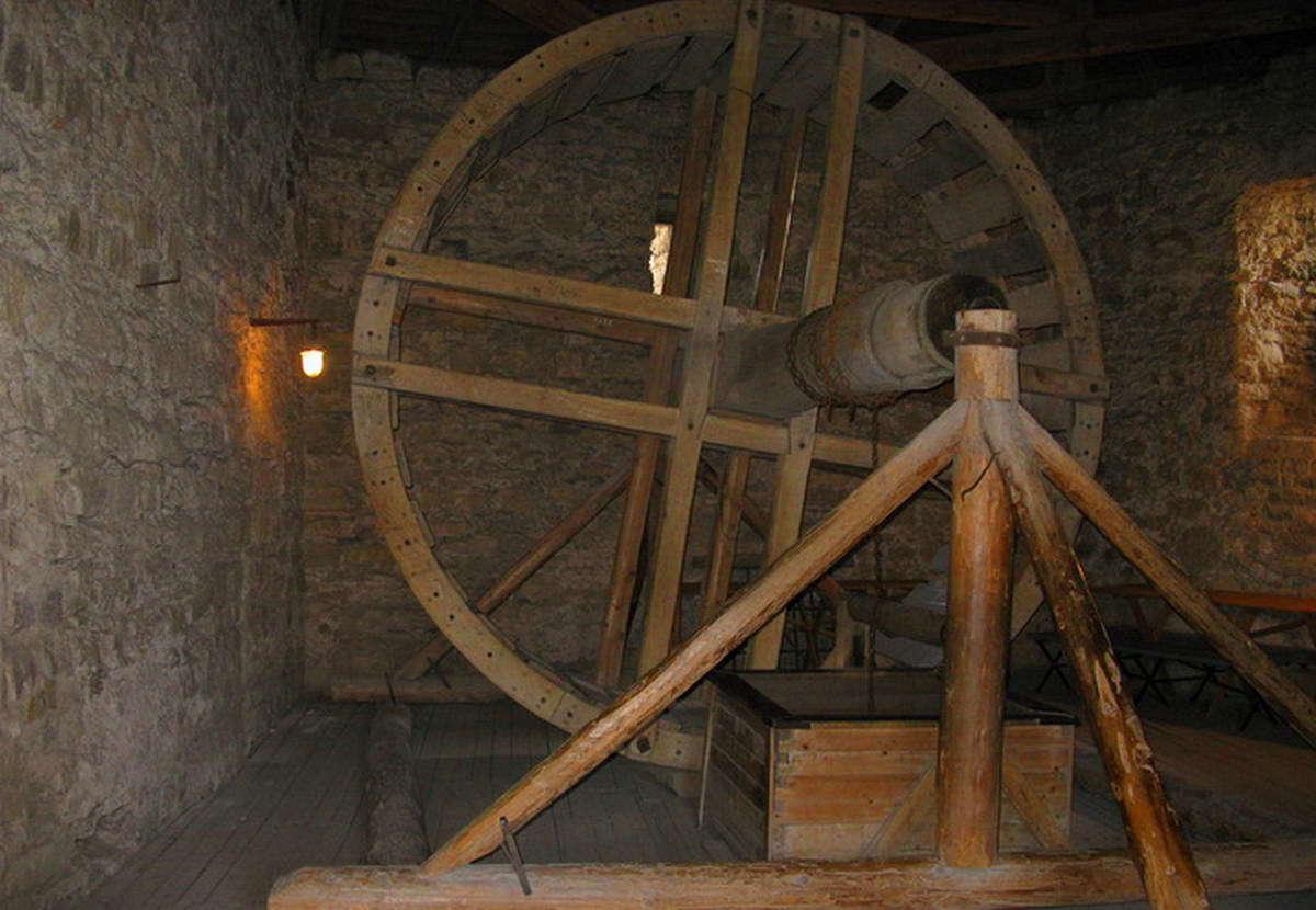 Колодязь в Кам'янець-Подільському замку