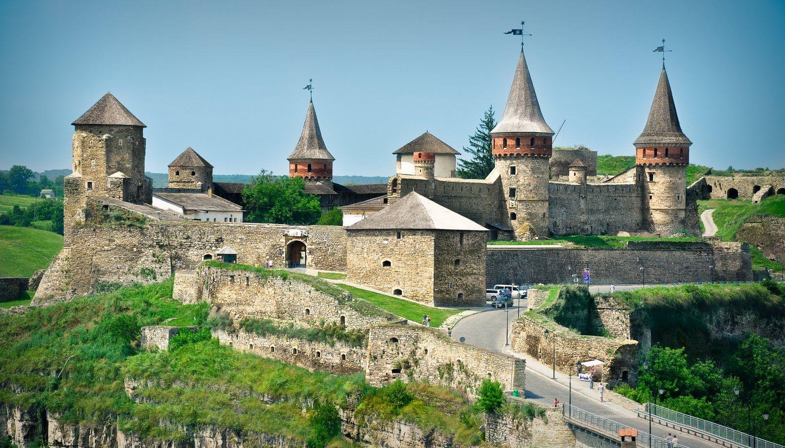 Вид на Кам'янець-Подільський замок