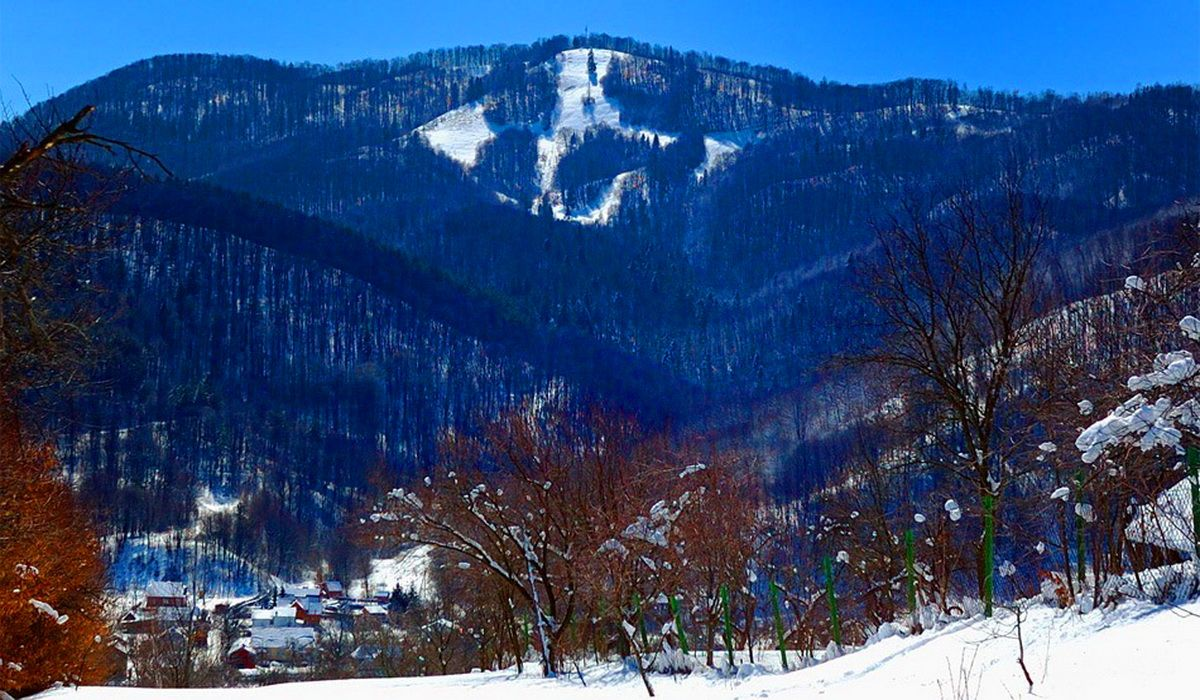 Гора Михалкова в городе Косов