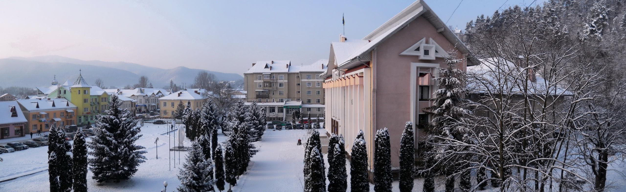 Панорамный вид на город Косов