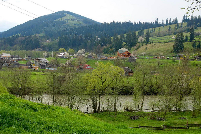 с. Красник - карпатське гірське село