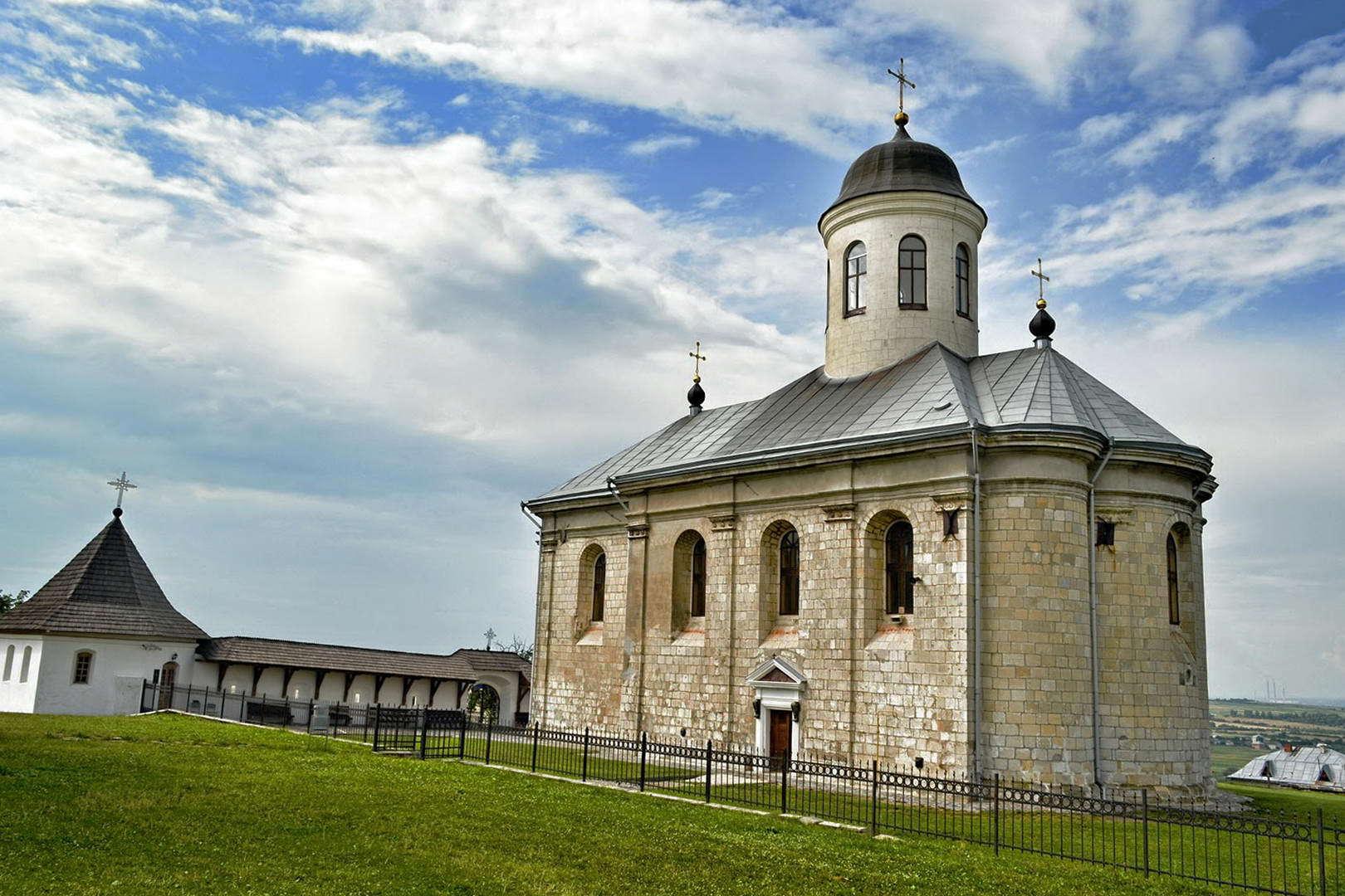 Древній Галич в селі Крилос