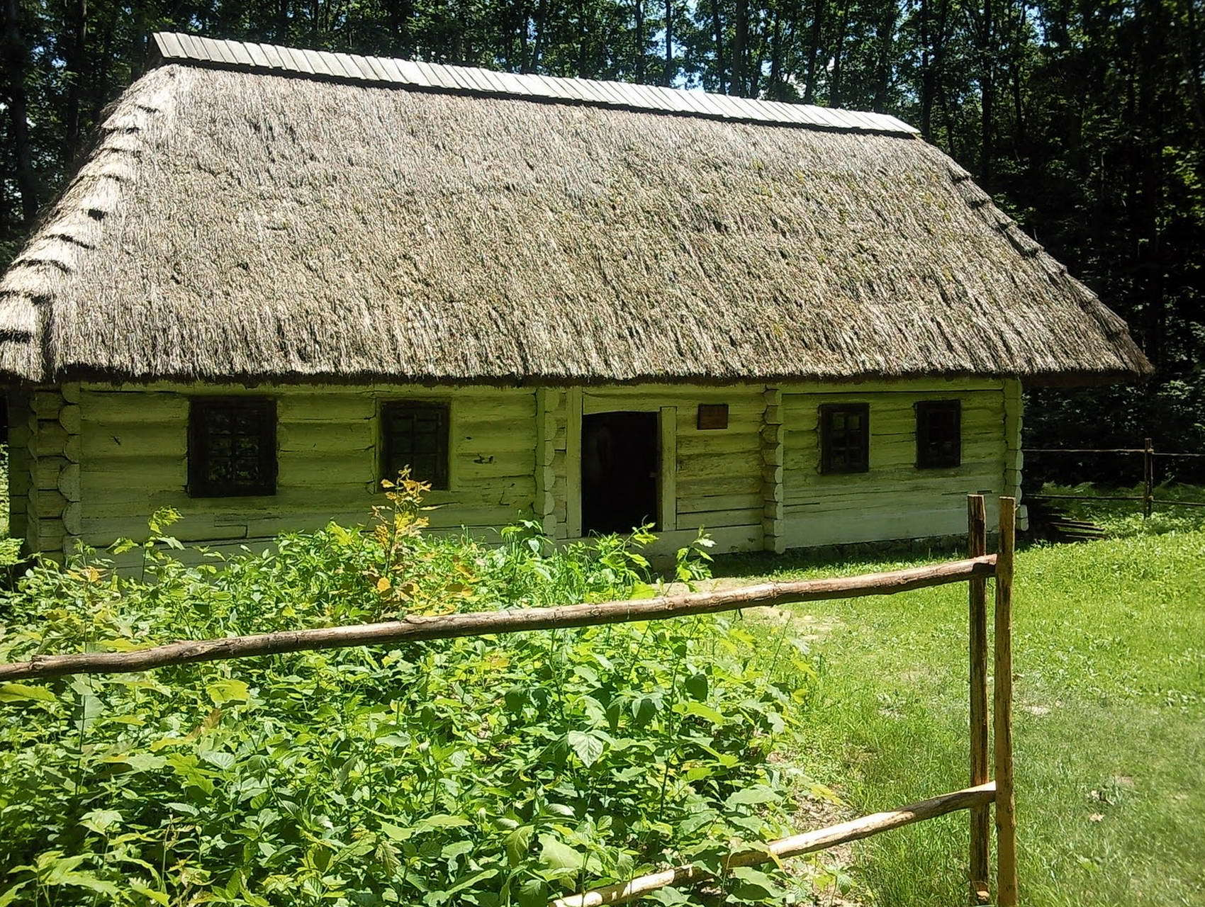 Бойківська хата в музеї побуту та архітектури Прикарпаття, с. Крилос