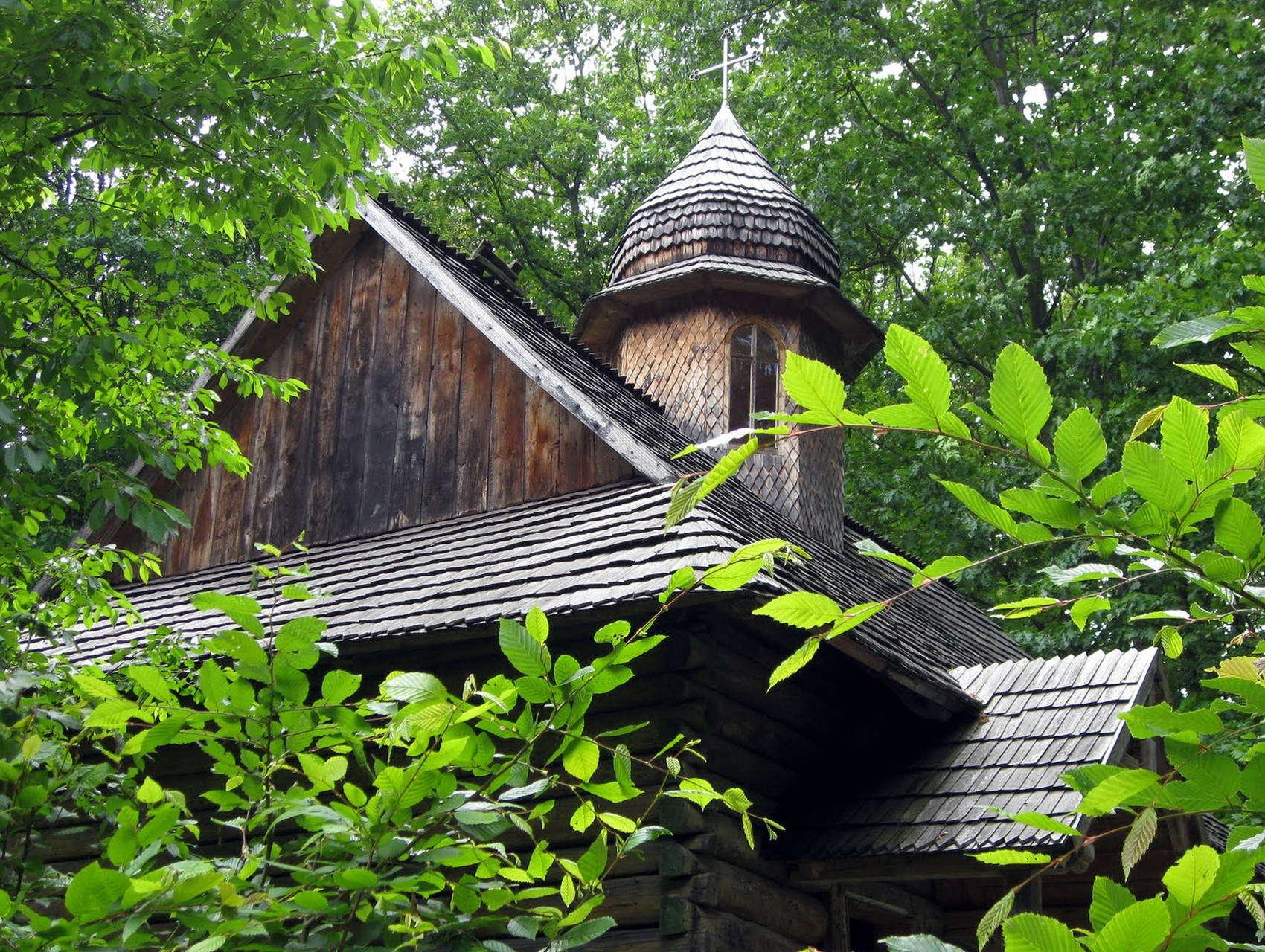 Музей народної архітектури та побуту Прикарпаття в Крилосі