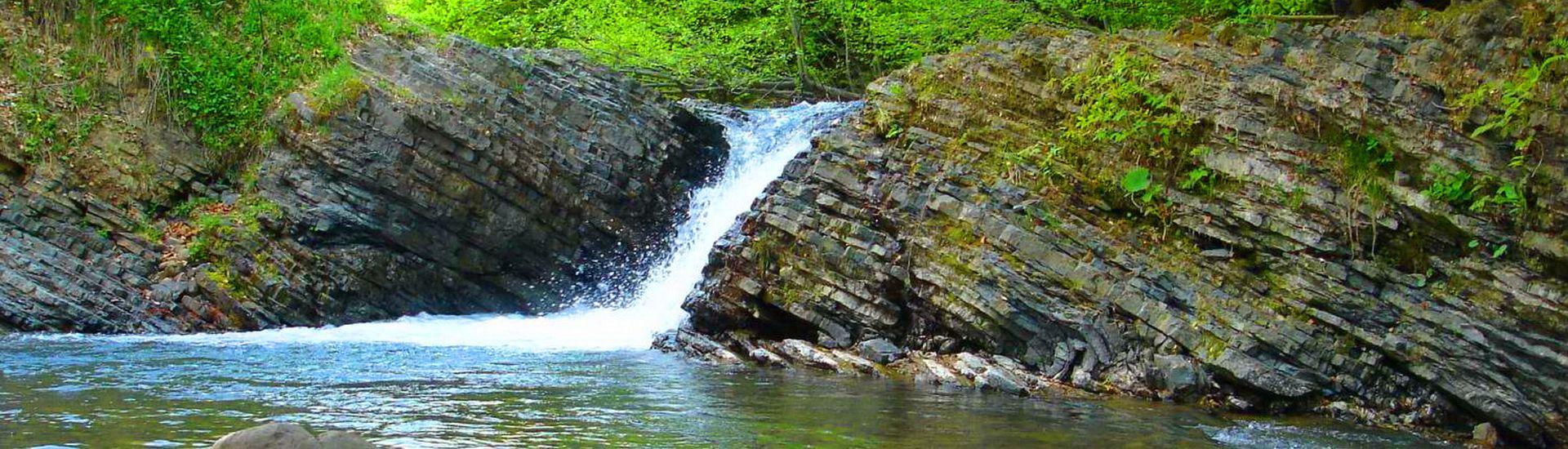Лумшорские водопады в Карпатах
