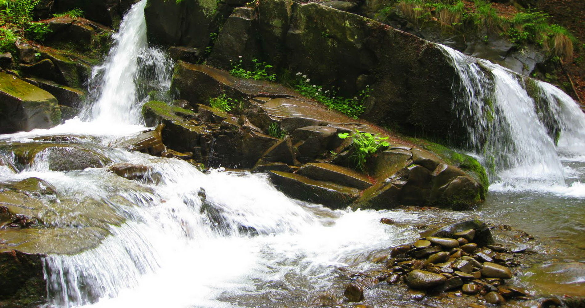 Лумшорские водопады