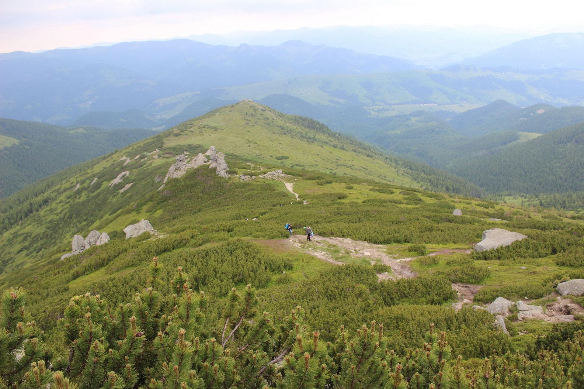 Підйом на гору Вухатий Камінь, маршрут Чорногорою