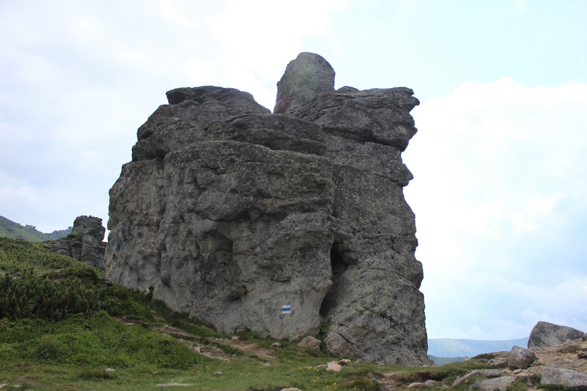 Маршрут Чорногірським хребтом, гора Вухатий Камінь