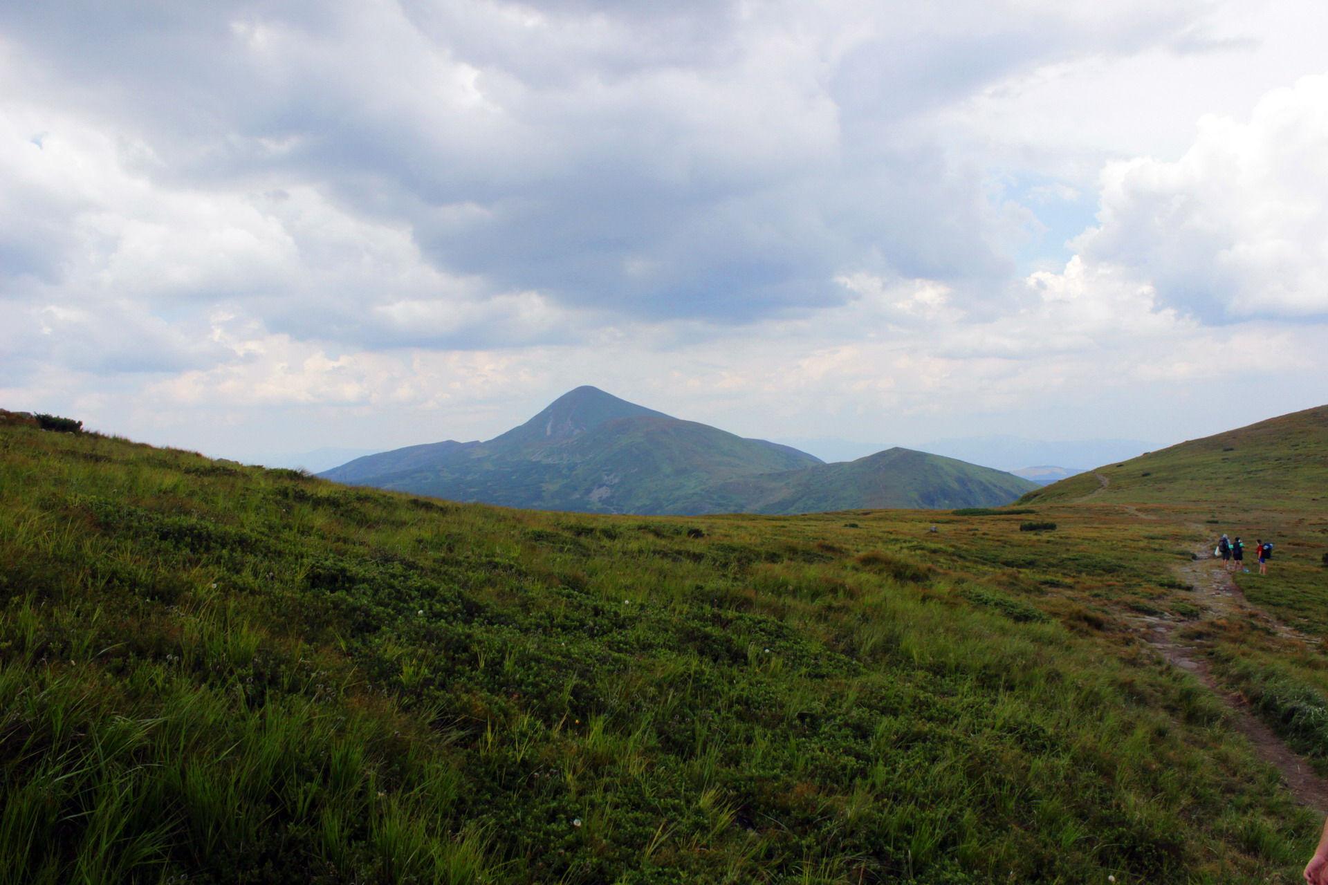 Вид на Говерлу, Чорногірський хребет