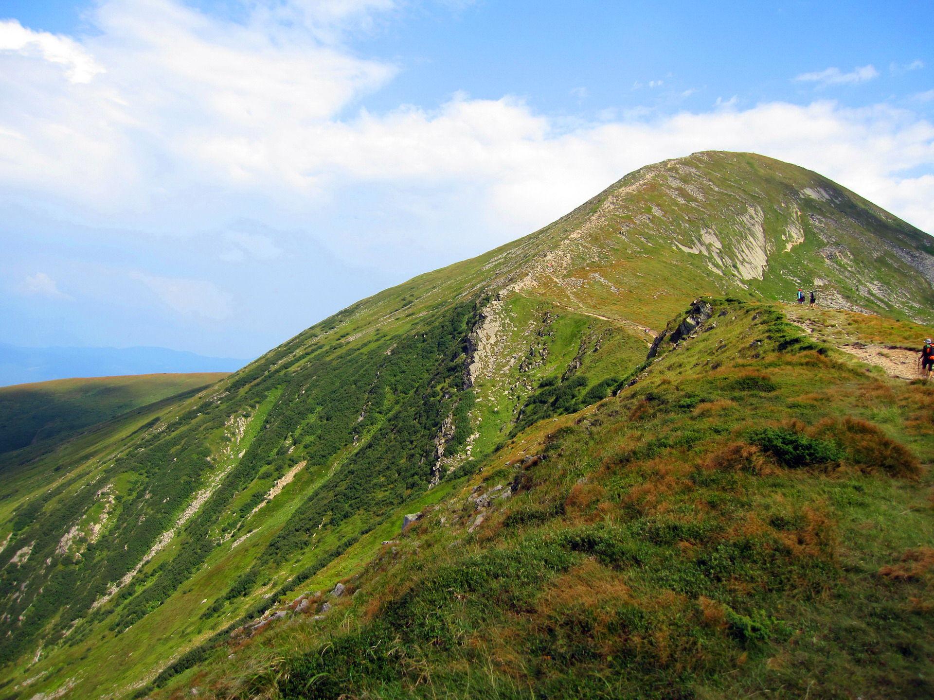 Маршрут Чорногорою, спуск із Говерли в сторону Петроса