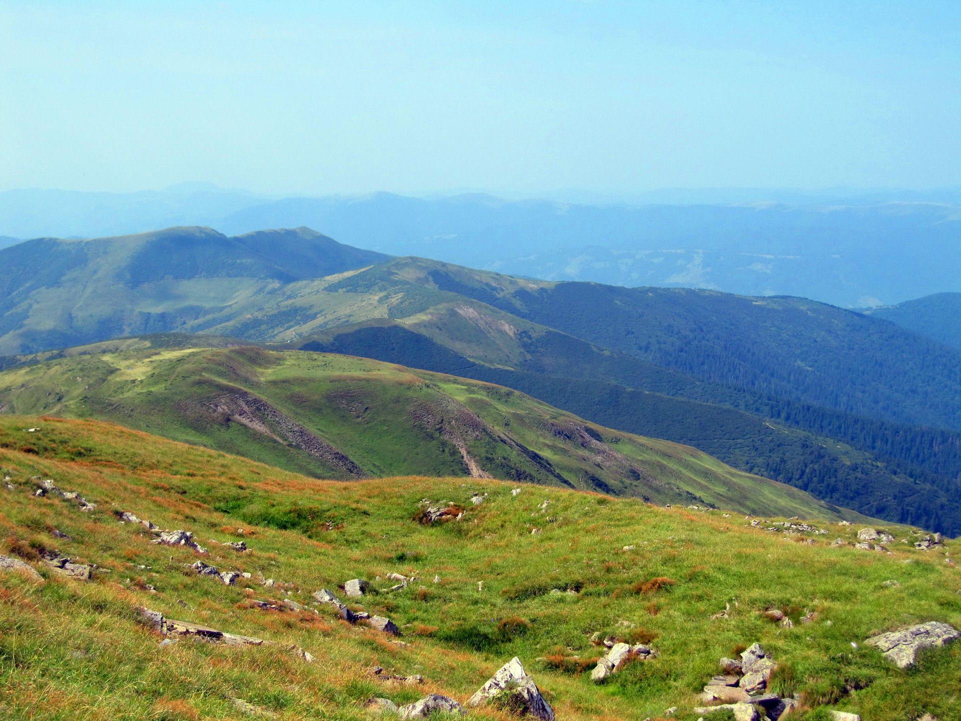 Маршрут Чорногорою, панорама із Петроса