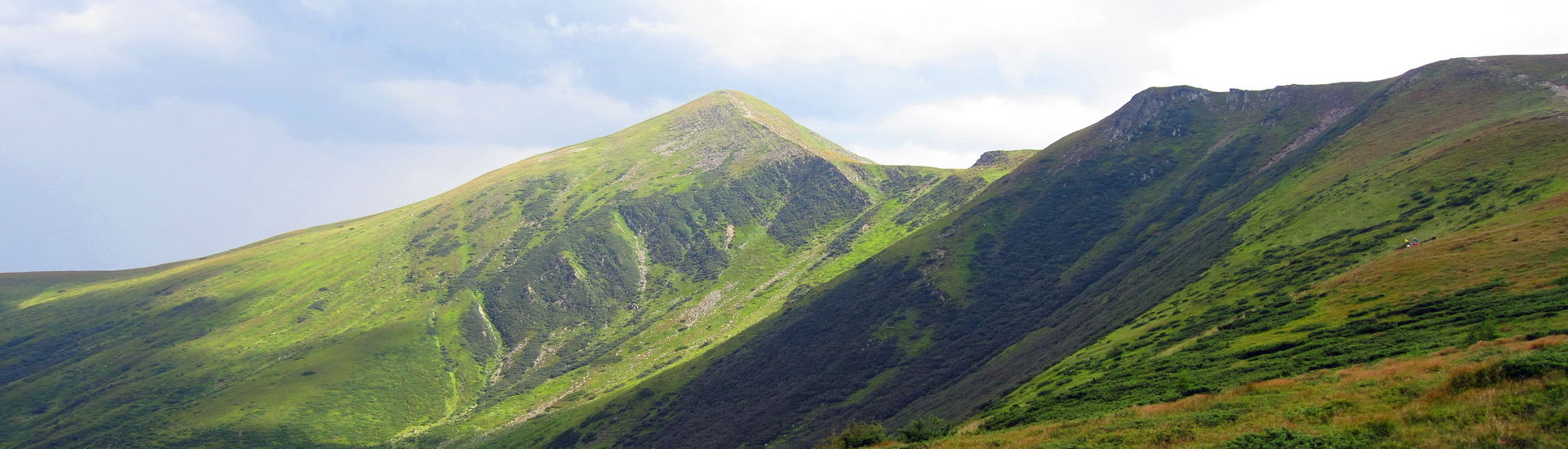 Гора Говерла (2061 м) – найвища вершина України