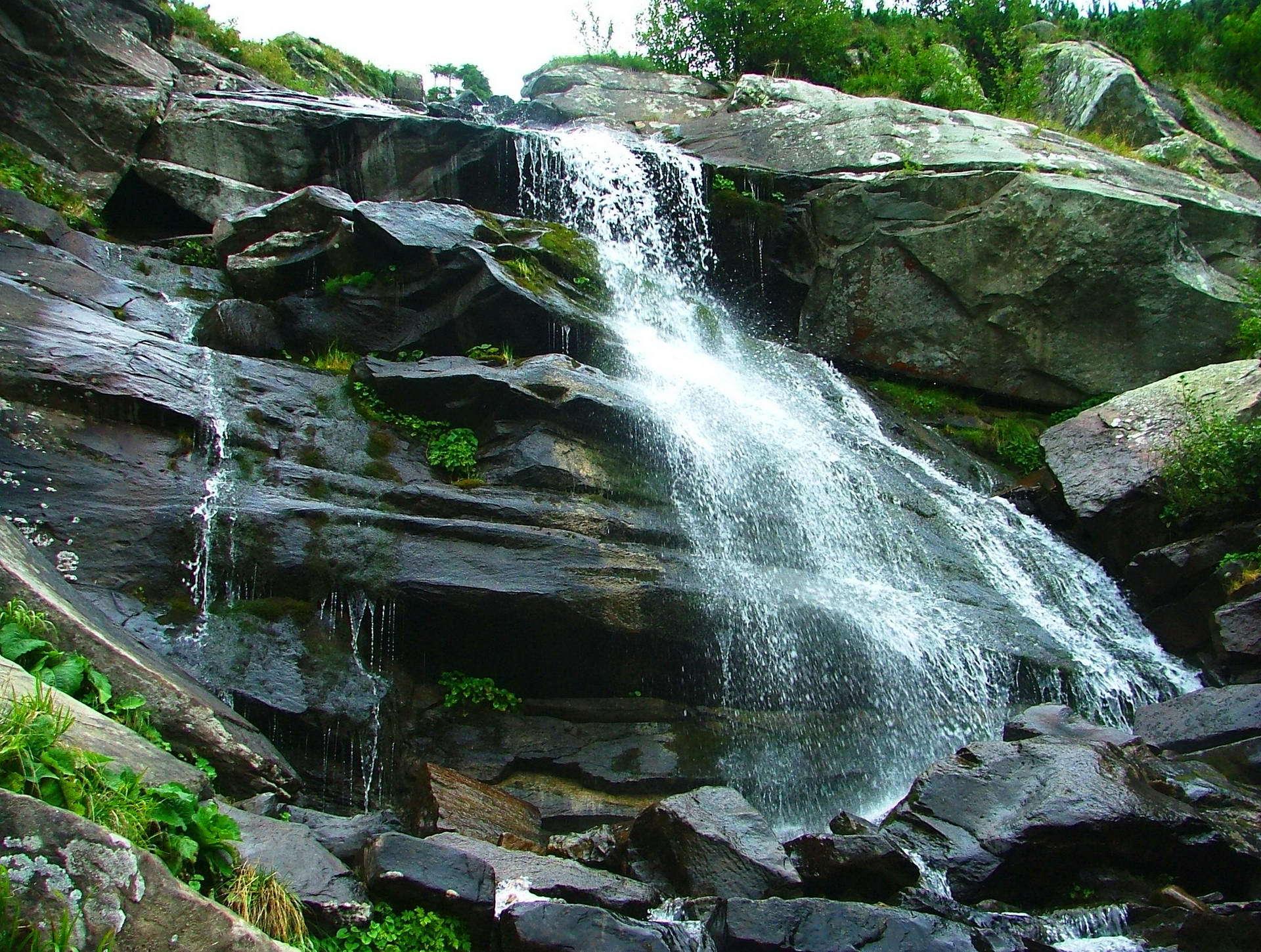 Маршрут на Говерлу через Прутські водоспади