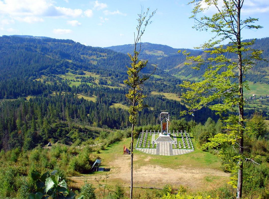 Цвинтар героїв Січовим Стрільцям на горі Маківка