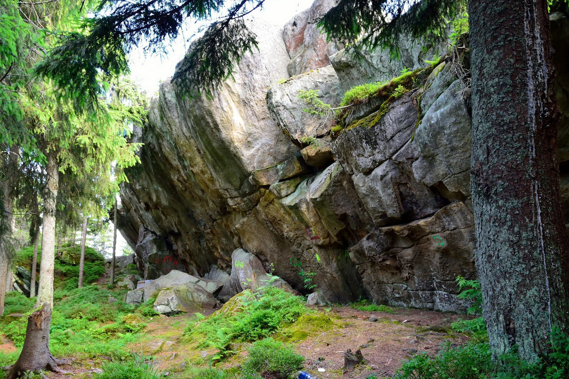 Маршрут для туристів на Писаний Камінь