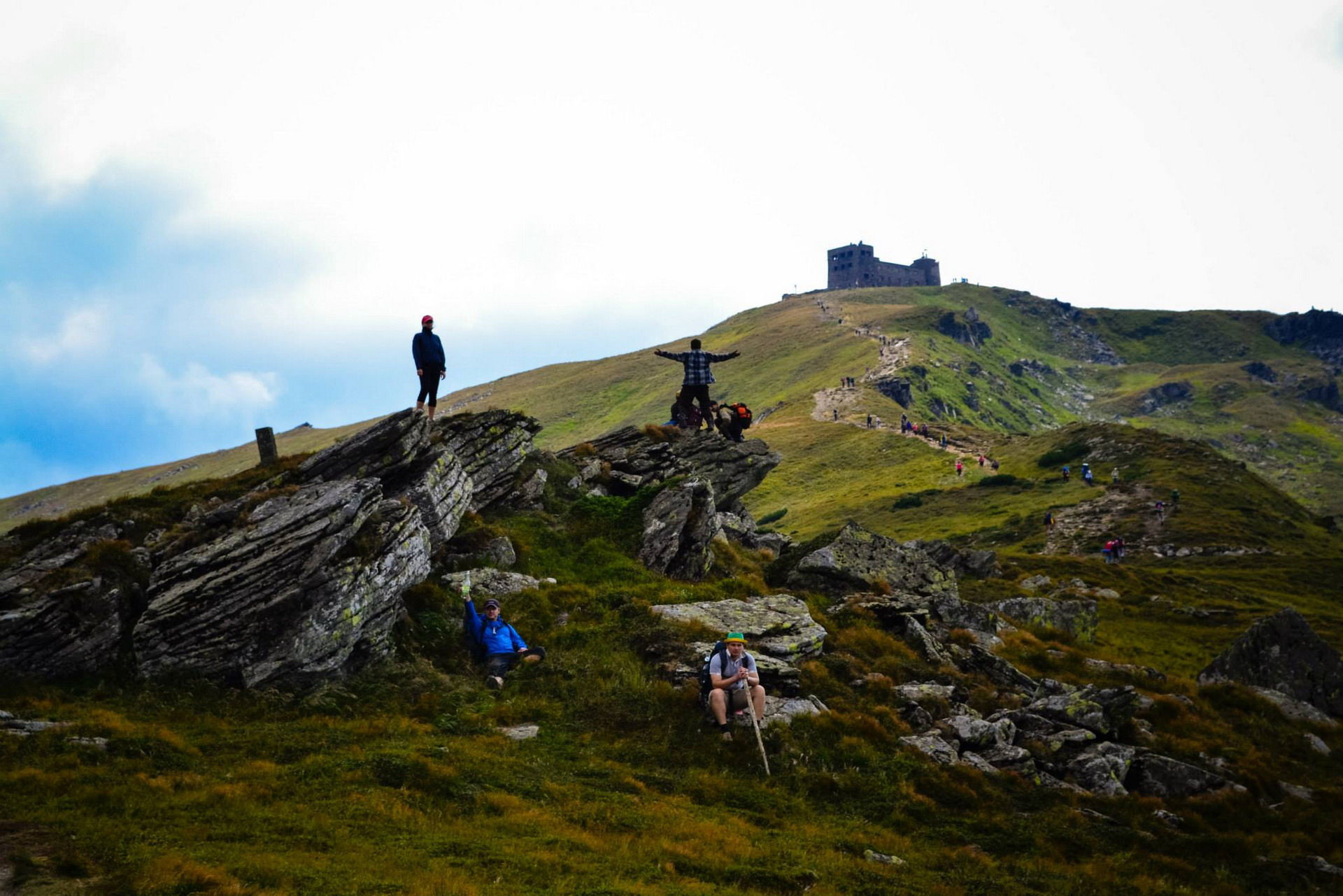 На склонах горы Поп-Иван Черногорский