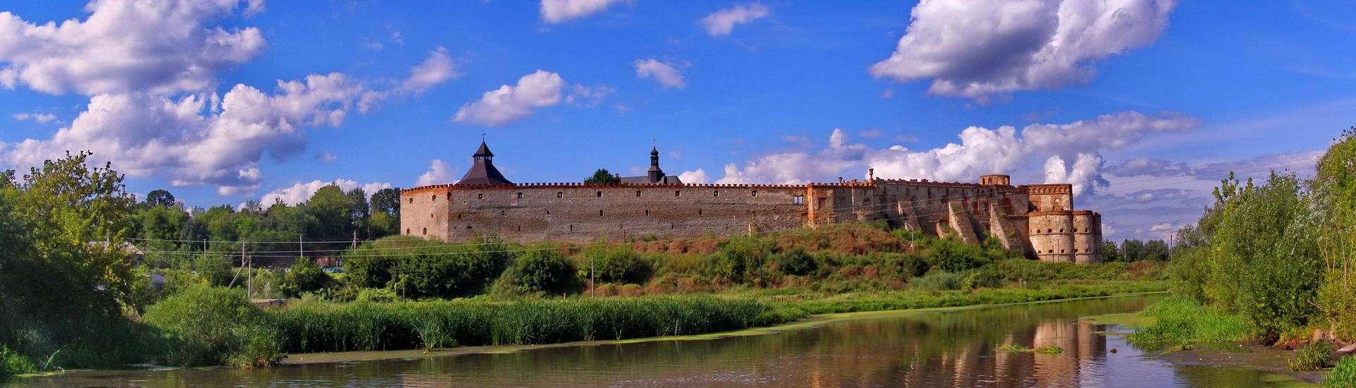Хмельниччина, Меджибізький замок