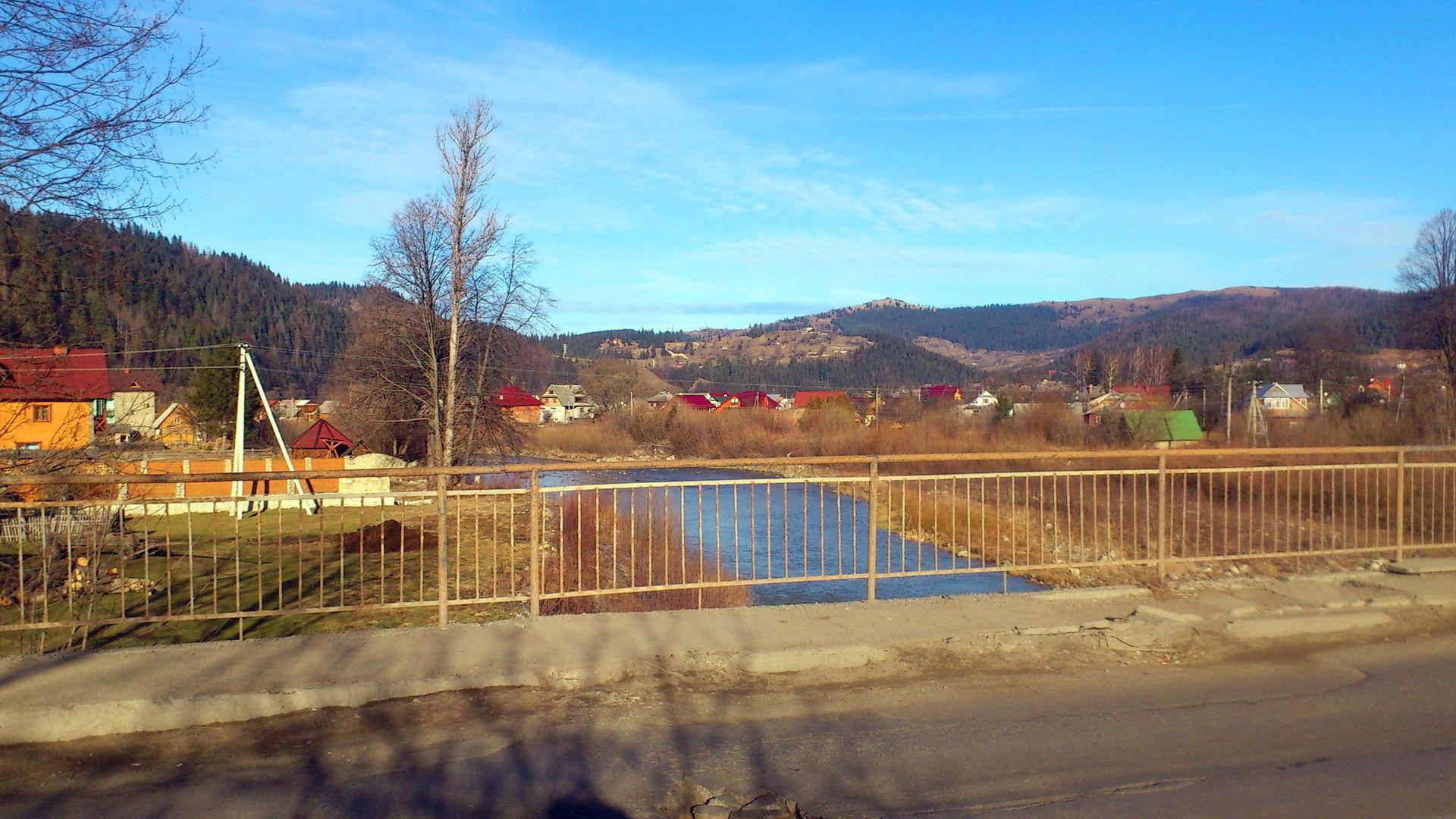 Село Микуличин в Карпатах