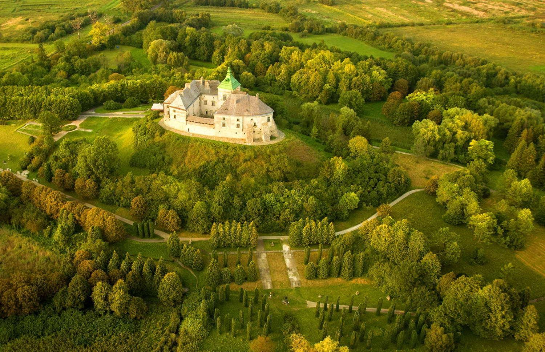 Вид Олеського замку із висоти пташиного польоту