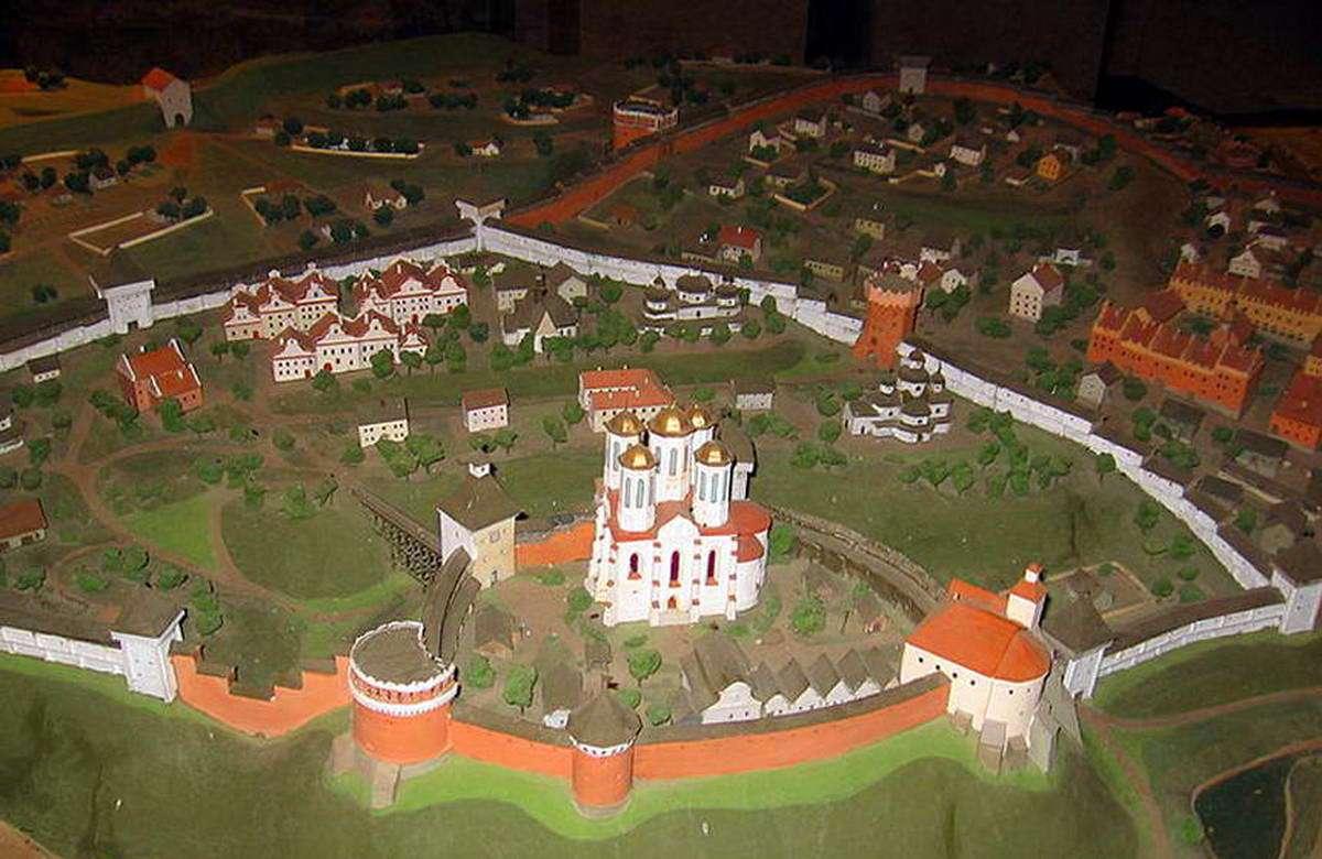 Макет Острозького замку