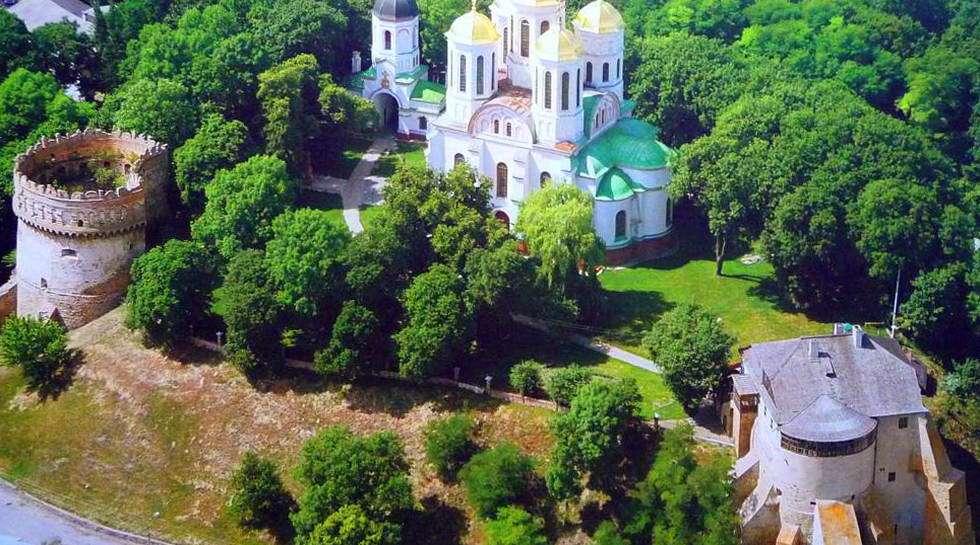 Вид Острозького замку із висоти пташиного польоту