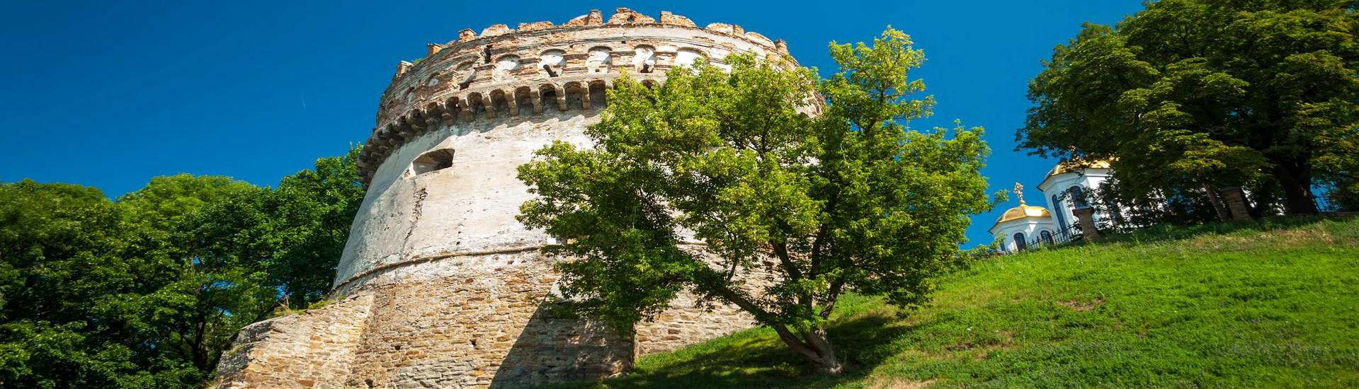 Рівненська область, Острозький замок