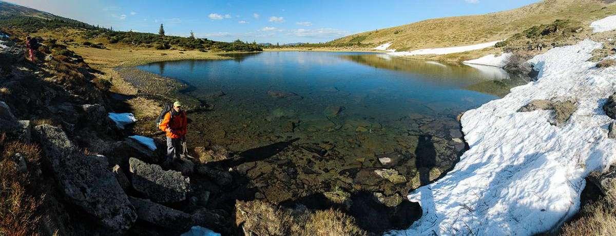 Озеро Апшинець в Карпатах