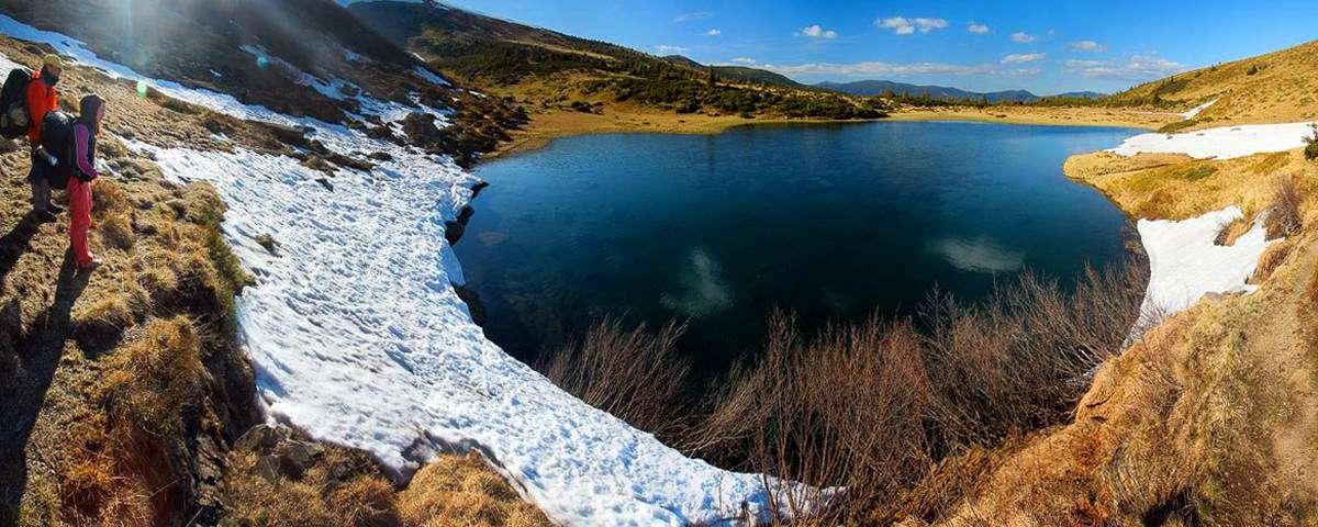 Гірський масив Свидовець, озеро Апшинець