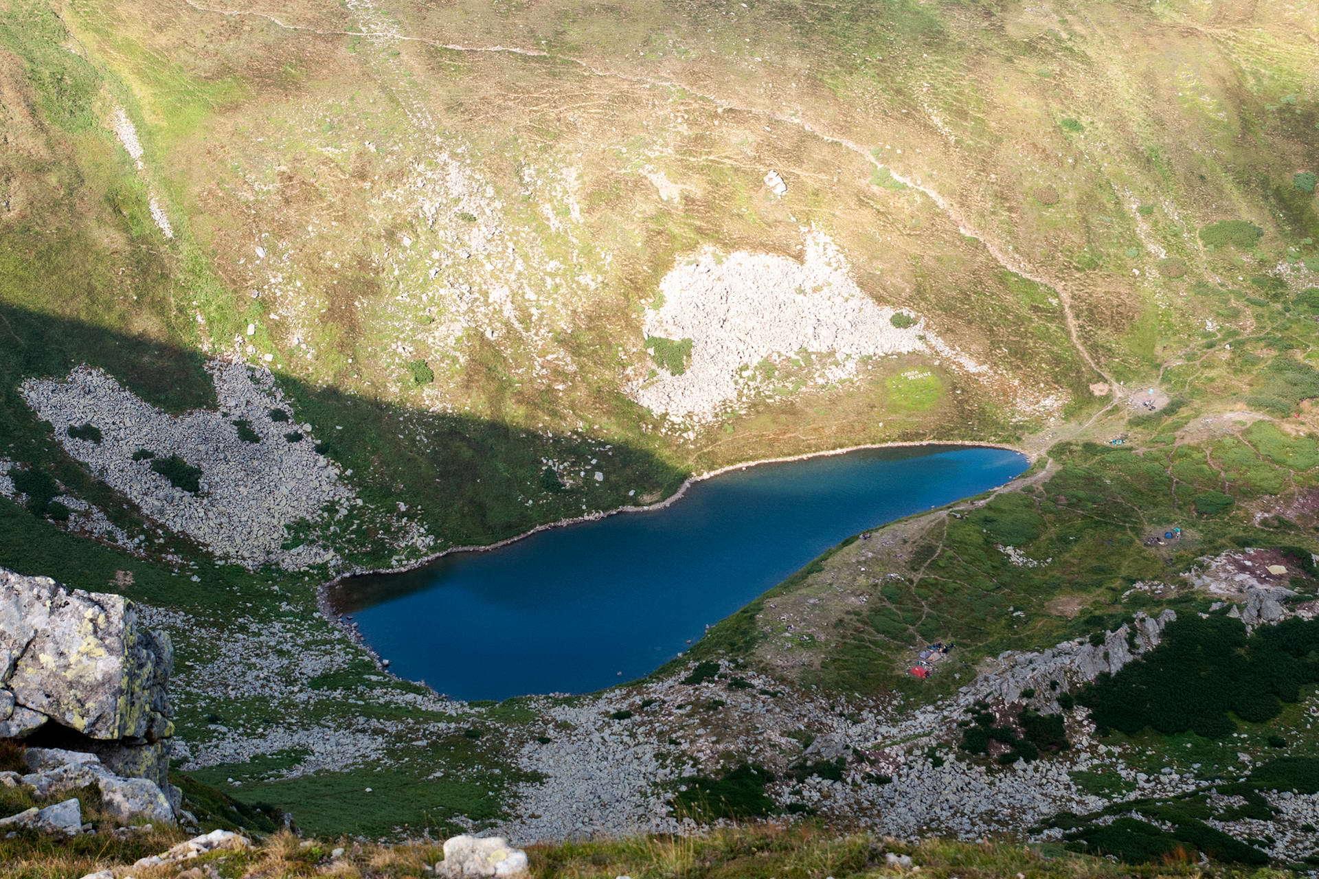 Озеро Бребенескул, Чорногірський масив