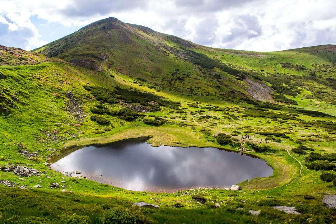 Картинки по запросу Озеро Несамовите
