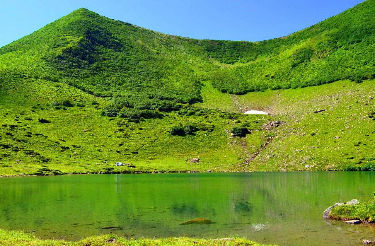 Озеро Ворожеська в Карпатах