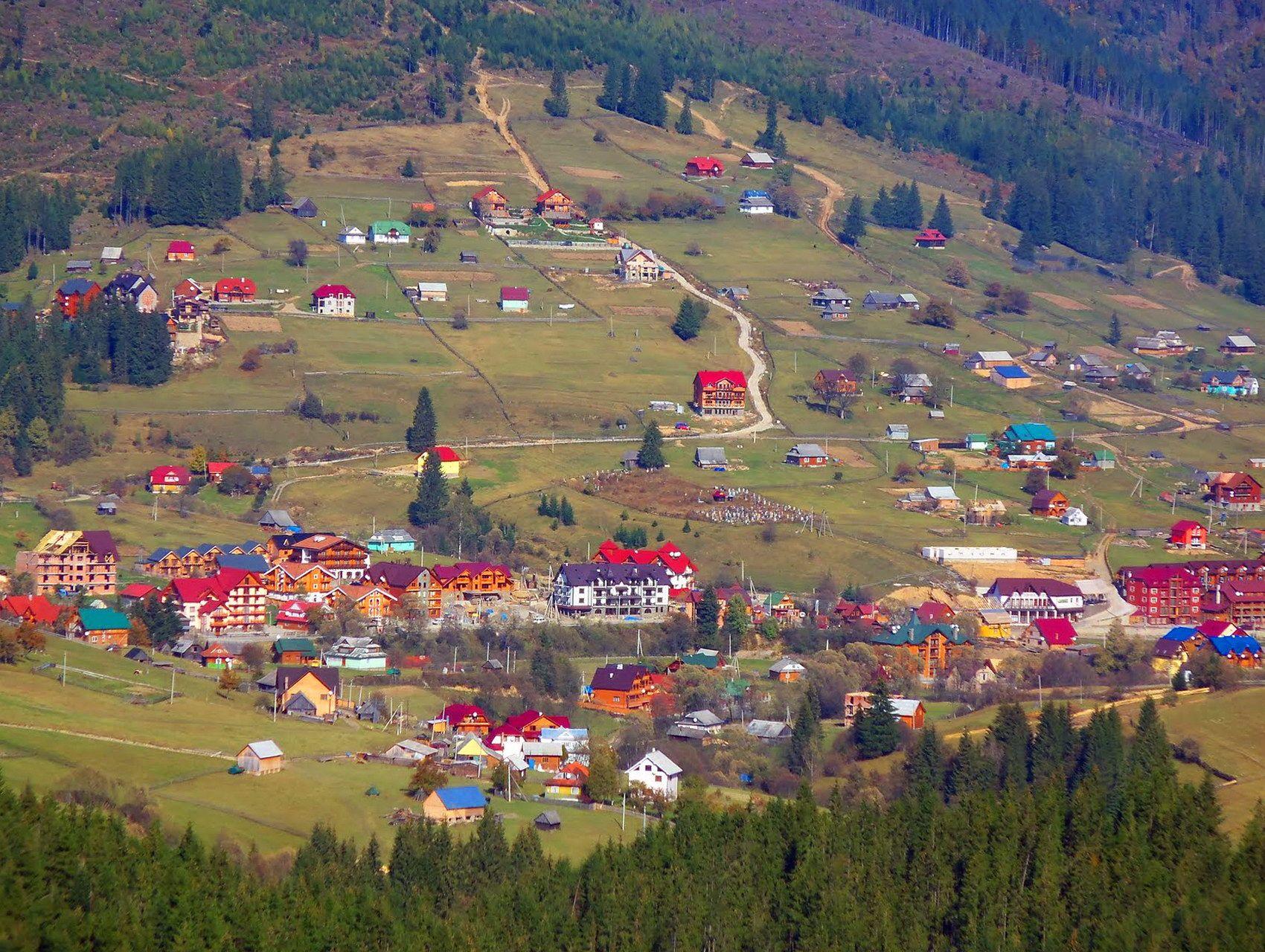 Панорамний вид села Поляниця