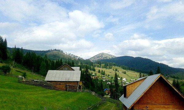 Карпатське село Поляниця