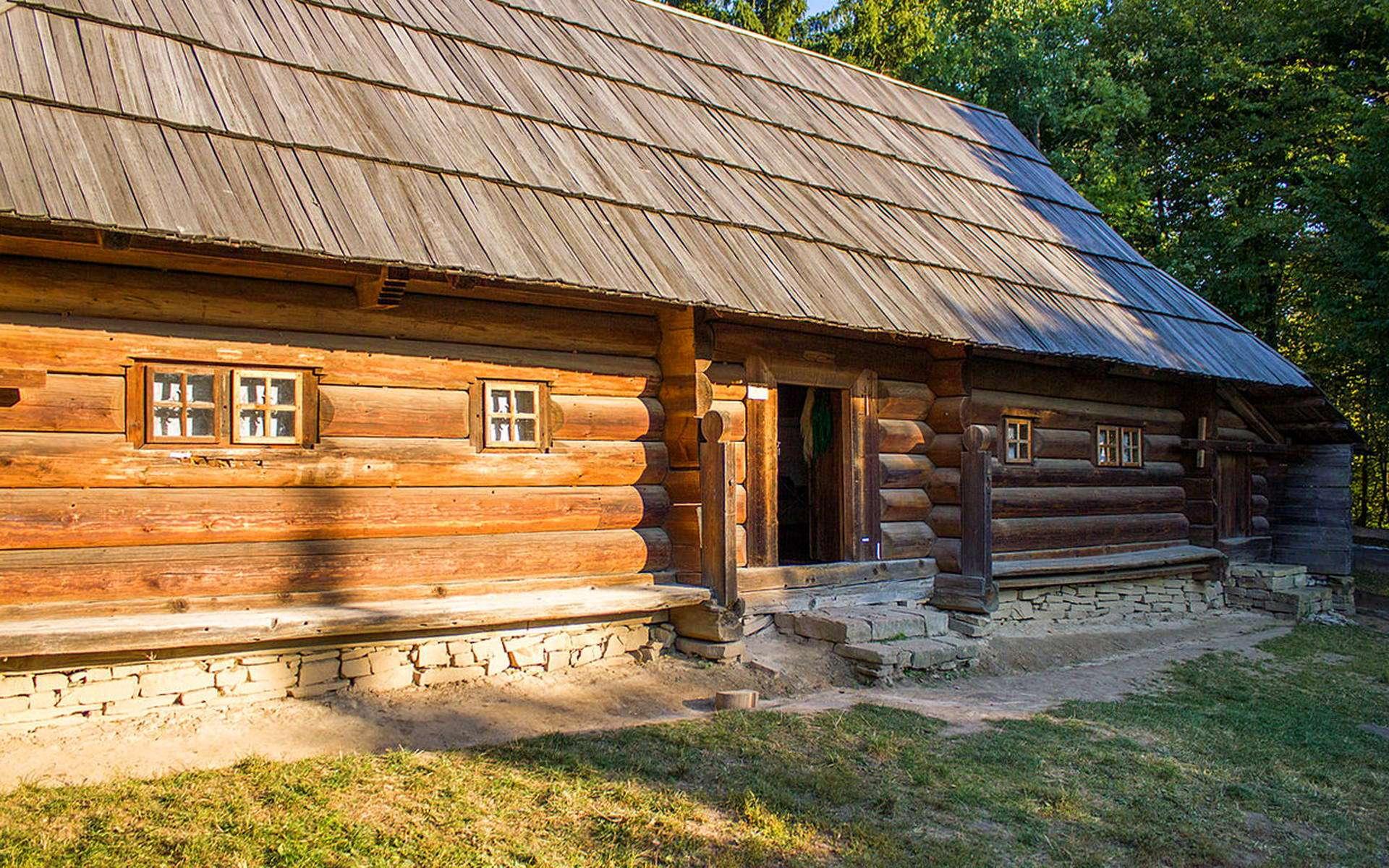 Хата в селі Шепіт, Косівський район