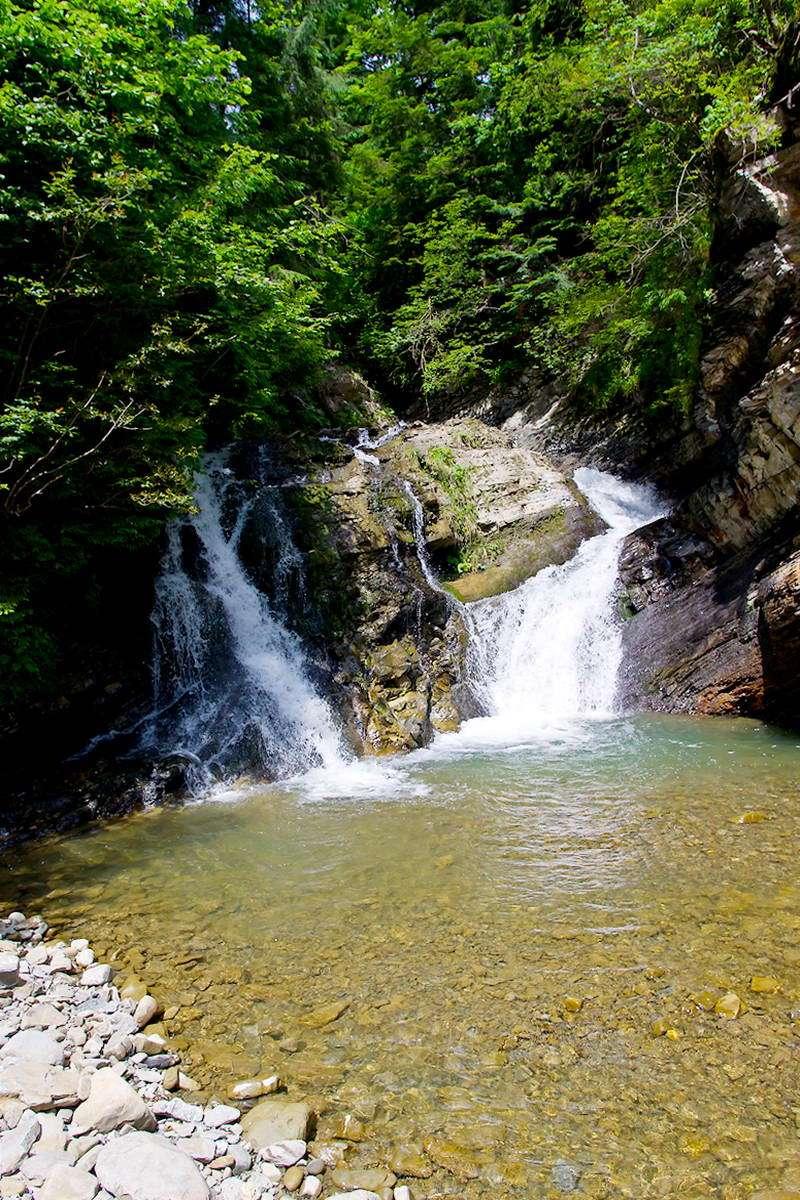 Околиці села Шепіт, водоспад Великий Гук